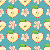 Corazón de Apple y de flores en modelo inconsútil Imagen de archivo libre de regalías