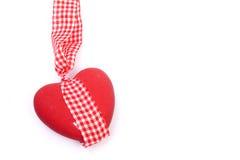 Corazón de cerámica con el arqueamiento fotos de archivo libres de regalías