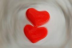 Corazón de dos rojos del hielo Imágenes de archivo libres de regalías
