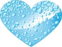 Corazón de gotas del agua Imagenes de archivo