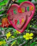 Corazón de la arcilla para el día de padres Fotos de archivo libres de regalías