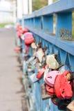 Corazón de la cerradura de la cerca Foto de archivo
