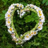 Corazón de la flor de la tarjeta del día de San Valentín foto de archivo libre de regalías