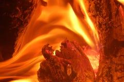 Corazón de la llama foto de archivo