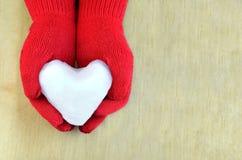 Corazón de la nieve Fotos de archivo libres de regalías