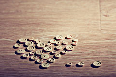 Corazón de la tarjeta del día de San Valentín de los botones Imagen de archivo