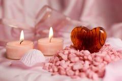 Corazón de la tarjeta del día de San Valentín - todavía vida Imagen de archivo libre de regalías