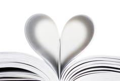 Corazón de las paginaciones del libro imagenes de archivo