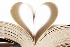 Corazón de las paginaciones del libro Imágenes de archivo libres de regalías