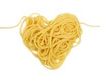 Corazón de las pastas (tema del día del `s de la tarjeta del día de San Valentín) Foto de archivo libre de regalías