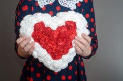 Corazón de las pequeñas flores Imagen de archivo libre de regalías