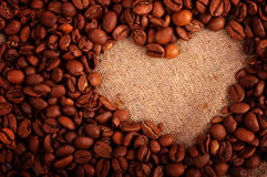 corazón de los granos de café Imagenes de archivo