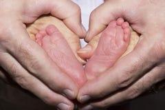 Corazón de los pies del bebé Fotografía de archivo libre de regalías