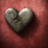 Corazón de madera del Grunge en fondo rojo Fotografía de archivo libre de regalías