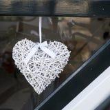 Corazón de mimbre decorativo Fotos de archivo libres de regalías