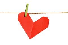 Corazón de papel del origami en cuerda Foto de archivo libre de regalías