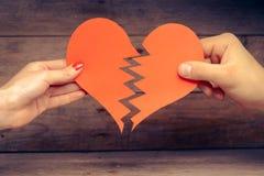 Corazón de papel quebrado Imagen de archivo