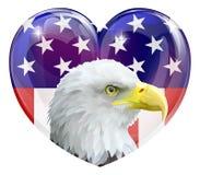 Corazón del amor del águila de la bandera americana Imagenes de archivo