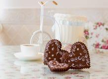 Corazón del amor del pan de jengibre Foto de archivo libre de regalías