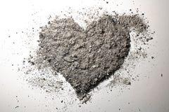 Corazón del amor hecho de la ceniza Fotos de archivo libres de regalías