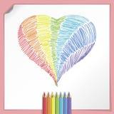Corazón del arco iris con los lápices del color stock de ilustración