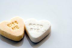 Corazón del caramelo con el mensaje foto de archivo libre de regalías