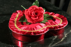 Corazón del caramelo de la tarjeta del día de San Valentín Imágenes de archivo libres de regalías