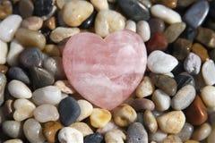 Corazón del cuarzo de Rose Imágenes de archivo libres de regalías