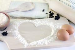Corazón del fondo de la hornada de la harina Imagenes de archivo