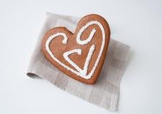 Corazón del pan de jengibre Imagenes de archivo