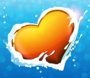 Corazón en agua Fotos de archivo libres de regalías
