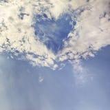 Corazón en cielo Foto de archivo libre de regalías
