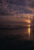 Corazón en la arena 2 foto de archivo