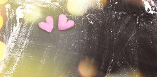 Corazón en la harina blanca El cocinar con amor concepto de la cocina casera imagen de archivo