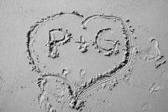 Corazón en la playa Imágenes de archivo libres de regalías