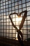 Corazón en la puesta del sol imágenes de archivo libres de regalías