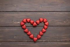 Corazón grande de pequeños corazones Imagenes de archivo