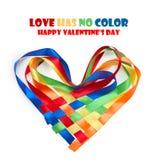 Corazón hecho de cintas coloreadas entrelazadas Foto de archivo libre de regalías