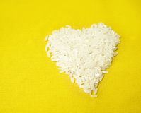 Corazón hecho del arroz Fotos de archivo