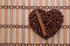 Corazón hecho a mano del café Imágenes de archivo libres de regalías