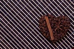 Corazón hecho a mano del café Fotos de archivo libres de regalías