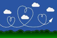Corazón hermoso en cielo azul del jardín y de la nube Fotos de archivo libres de regalías