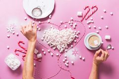 Corazón Mini Marshmallows Food colorido del concepto Foto de archivo libre de regalías
