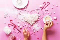 Corazón Mini Marshmallows Food colorido del concepto Imagen de archivo