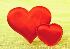 Corazón rojo de seda Foto de archivo