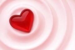 Corazón rojo del amor imagen de archivo