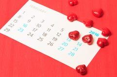 Corazón rojo e del día de tarjeta del día de San Valentín Foto de archivo libre de regalías