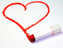 Corazón rojo pintado por el lápiz labial Imagen de archivo libre de regalías