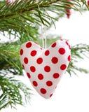 Corazón rojo punteado rojo de la Navidad hecha a mano aislado imágenes de archivo libres de regalías