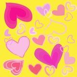 Corazón rosado abstracto en fondo amarillo Foto de archivo libre de regalías